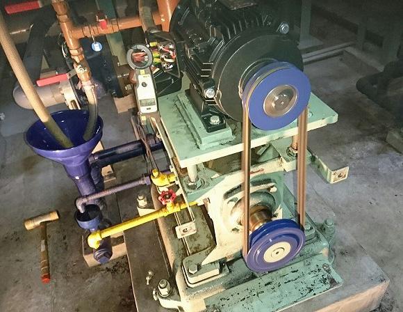 ポンプ用モーター+プーリーのメンテナンス(交換修理)